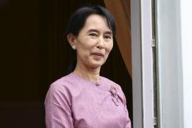 EL RÉGIMEN BIRMANO AUTORIZA LA LIBERTAD DE AUNG SAN SUU KYI