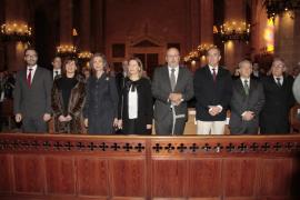 La reina Sofía asiste a la misa de clausura del año jubilar en una Catedral casi llena