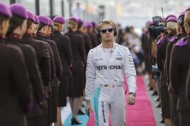 Hamilton gana en Abu Dabi, pero Rosberg se erige campeón