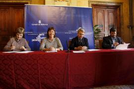 Firmado el acuerdo para demoler dos de los chalés ilegales de Llucalcari