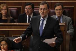 Rajoy dice a Iglesias que acatará medidas del Congreso cuando «sea obligatorio»
