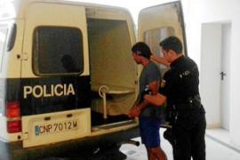 Condenado a tres años de cárcel un hombre que intentó lanzar a su expareja desde un sexto piso de Vila