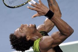Federer se queda sin final en Bercy al perder ante un épico Monfils