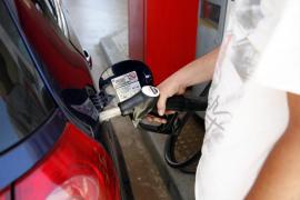Nadal apunta que la subida del petróleo puede elevar un 3 % el precio del litro de carburante