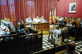 El pleno de Llucmajor reclama por unanimidad la apertura de la fosa del Pou de s'Àguila