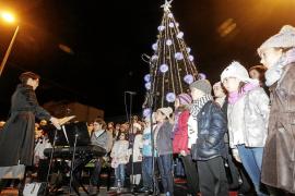 Vila 'enciende' la Navidad en el bulevar por las obras de Vara de Rey