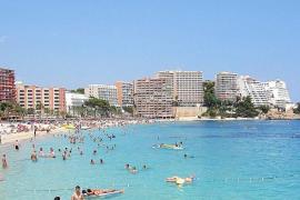 El Ajuntament de Calvià destinará 100.000 euros a la mejora de la playa de Magaluf