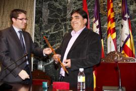 Joan Juan se convierte en el primer alcalde nacionalista y de izquierdas