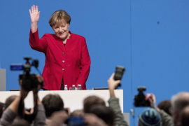Merkel, reelegida líder de los conservadores alemanes