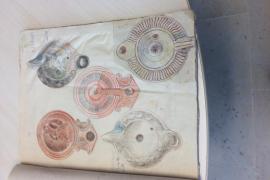 Un estudio del legado de Rafael de Ysasi revela sus dibujos de lucernas romanas