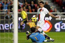 Portugal se toma la revancha y España cierra 2010 con otra dolorosa derrota (4-0)