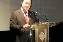 Torres reclama el Teatre Principal, la Ronda Nord y el soterramiento del tren