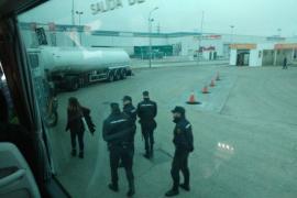 La Policía retiene en Alcalá el autocar donde viajan los miembros de la CUP buscados