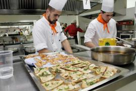 Casi la mitad de todos los puestos de trabajo de Baleares se engloban en comercio y hostelería