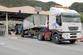 Los transportistas de Sóller protestan por la revisión de los descuentos del túnel