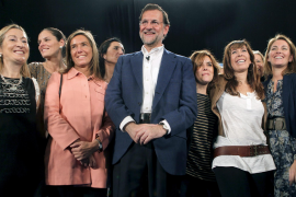 Rajoy exhibe al PP como garantía contra «aventuras y referéndums» en Catalunya