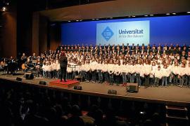 Las corales de la UIB cantarán un programa de cine con Simón Andreu
