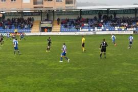 El Atlètic Balears suma un punto bajo el diluvio en Alcoy