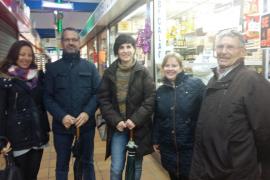 Campaña solidaria de recogida de alimentos en los mercados de Pere Garau y Santa Catalina