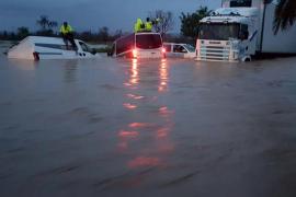 El fuerte temporal que azota Mallorca se extiende hasta el martes