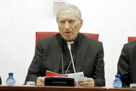 Los obispos españoles callan sobre el preservativo hasta leer el libro del Papa