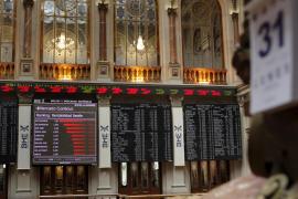 La crisis irlandesa hunde la Bolsa y dispara la deuda española a su máximo histórico