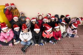 Joan 'Murenu' inaugura en Cas Serres un mural con su imagen