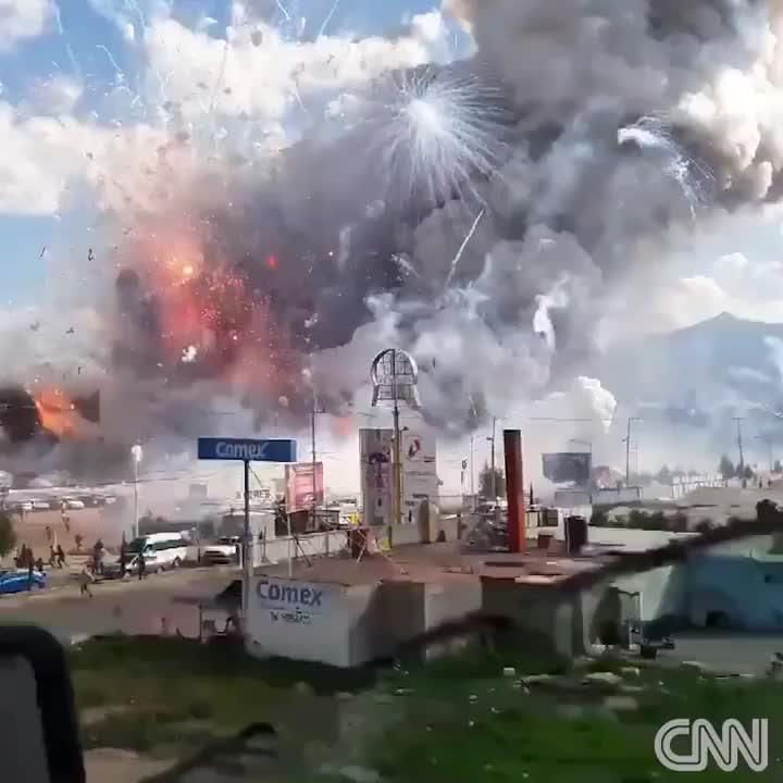 Varias explosiones en un mercado pirotécnico causan 36 muertos en México