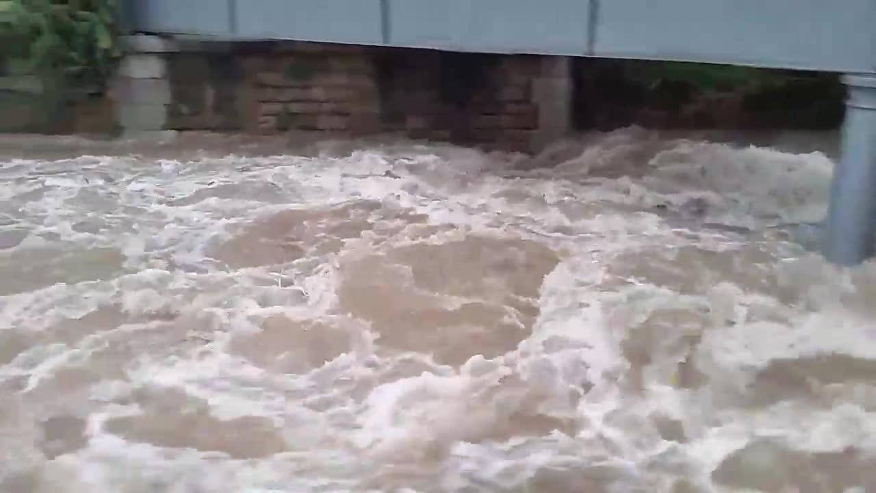 El torrente de Sóller, desbordado, y las Fonts Ufanes, cerradas tras la lluvia