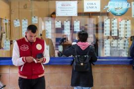 Las administraciones de lotería de las Pitiusas recibieron a los compradores de última hora