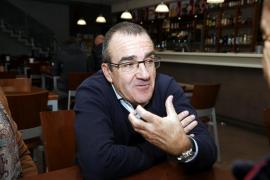Juan Pedro Yllanes es el diputado ye-yé que ha provocado histeria en Podemos