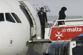 Los secuestradores del avión libio desviado a Malta se entregan a las autoridades