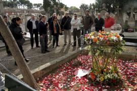 UGT recuerda a las víctimas del polvorín de Sant Ferran, en el que hubo 97 muertos