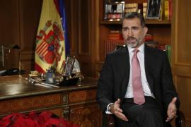 El mensaje de Navidad de Felipe VI, por vez primera en su despacho en Zarzuela
