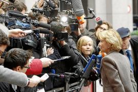 El Rey recibe a Salgado para tratar la crisis y el acoso a la economía española