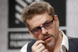 Juanma Bajo Ulloa afirma que «no tiene nada que ver» con la venta del premio Goya