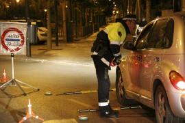 Detenido un conductor borracho por quedarse dormido al volante en medio de la autopista de Llevant