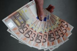 Un profesor de Valencia devuelve 451.000 euros ingresados por error en su nómina