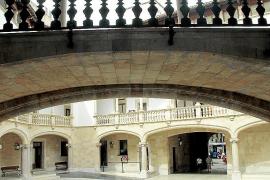 Un hombre lleva a juicio en Palma por allanamiento a su exmujer y a su hija por instalarse en su casa sin permiso