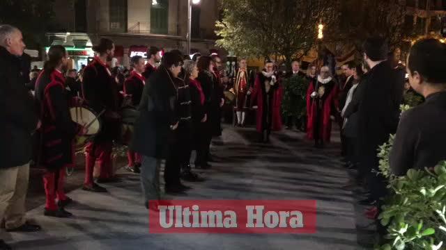 Palma celebra la ofrenda floral al rey Jaume I con gritos e insultos cruzados entre españolistas e independentistas