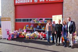 La Fundación ASIMA dona juguetes a la Associació Jovent para los niños de Sa Indioteria