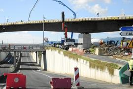 Cortado un tramo de Camí des Reis para acabar de hormigonar el puente de Son Espases