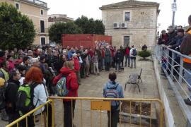 Doscientas personas reivindican en Santa Maria la titularidad pública del Camí del Cabàs