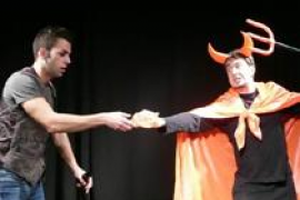 Teatrèmol lleva la historia de 'Sant Antoni i el dimoni' a Vilafranca