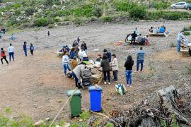 El merendero del Coll de sa Gramola, en Andratx, se queda pequeño