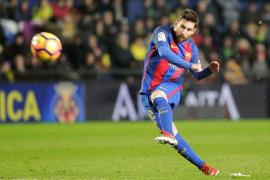 Messi, en los últimos instantes, evita la derrota del Barcelona en un intenso partido