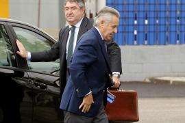 Anticorrupción pide 4 años de cárcel para Miguel Blesa por los sobresueldos de Caja Madrid