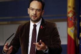 Hernando (PSOE) pide aparcar complejos a llegar a acuerdos con el PP