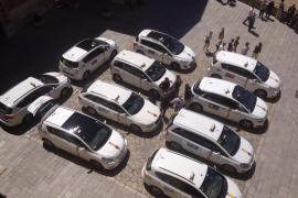 Los vecinos de la Seu critican que los taxistas aparcan en el Mirador pese a estar prohibido