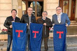 'Sus' a las fiestas de Sant Antoni de Muro con la colocación de los 'penons'